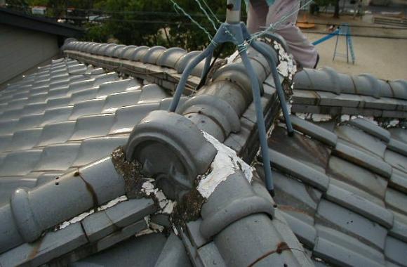 不適切な屋根瓦工事
